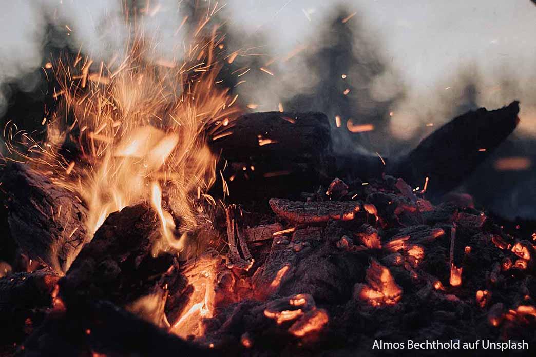 Feuer Von Almos Bechthold Auf Unsplash